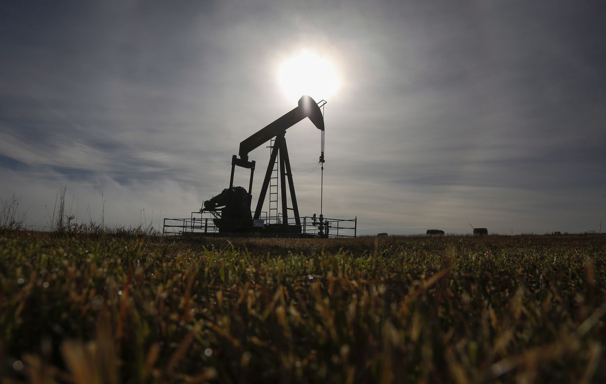 Photo of Ottawa prepares multibillion-dollar bailout of oil and gas sector