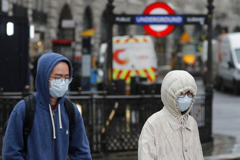 Photo of UK coronavirus death toll rises to 2,921, up 24% in a day